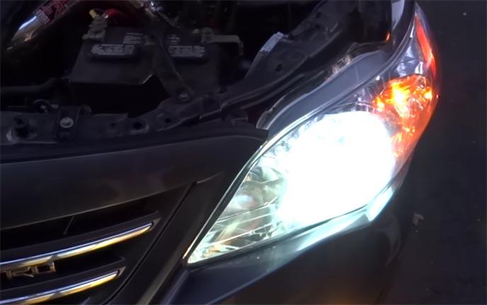 光量が多い車のHIDライト