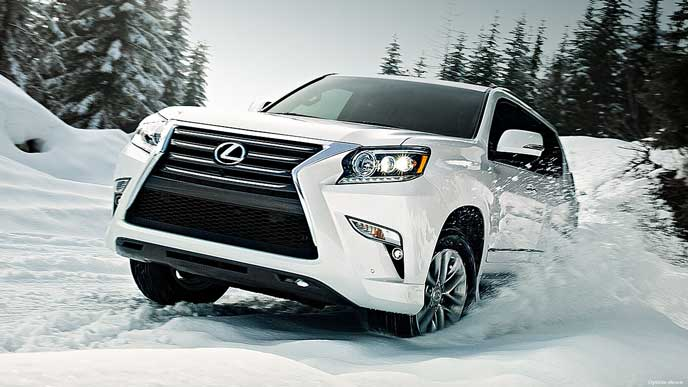 雪道もスイスイ走るレクサスGX