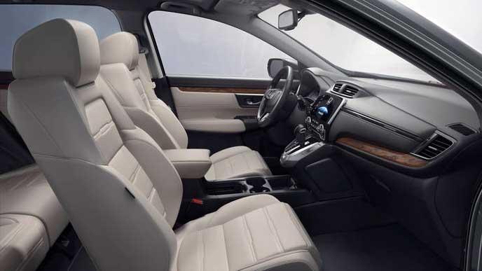 新型CR-Vの白を基調とした内装