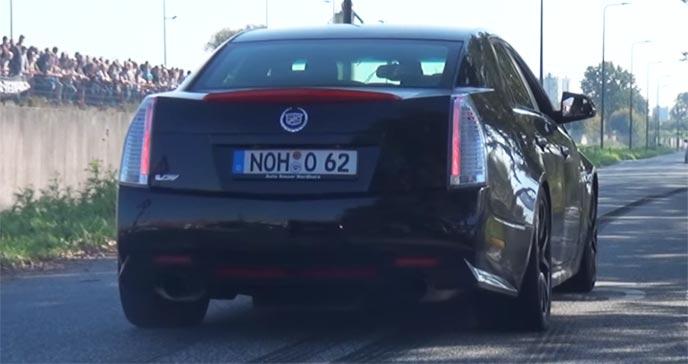 海外の車とナンバープレート