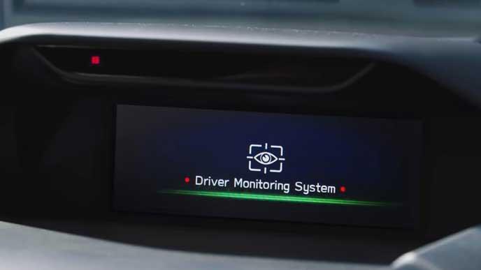 新型フォレスターのドライバーモニタリングシステム