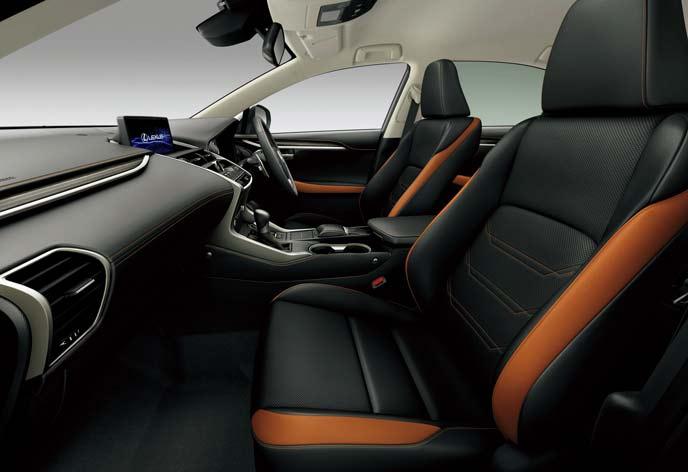 ブラック&アクセントサンフレアブラウンの新型レクサスNX