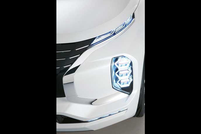 GT-PHEVのライト点灯イメージ