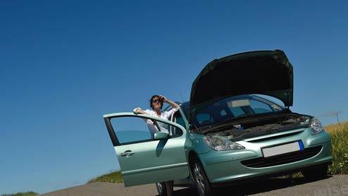 車のバッテリー上がりの原因と交換や充電による対処法