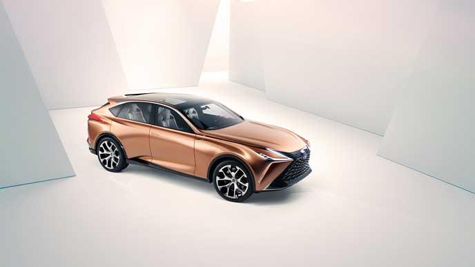 2019年以降発売予定のレクサス新型車LQのエクステリア