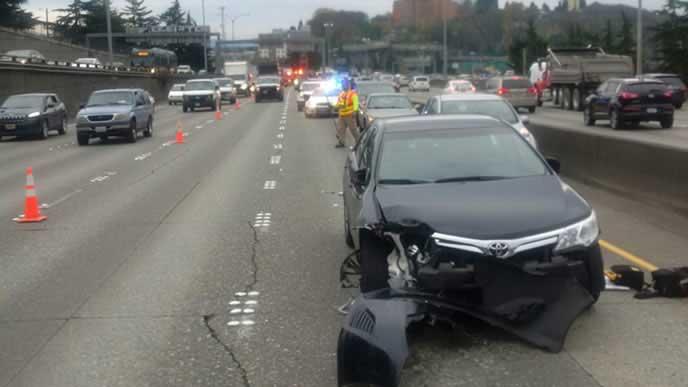 車線変更で事故に遭った車