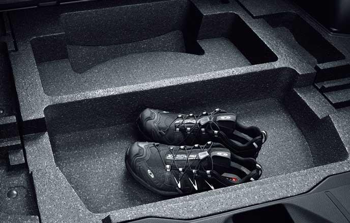 フォレスターの床下収納スペース