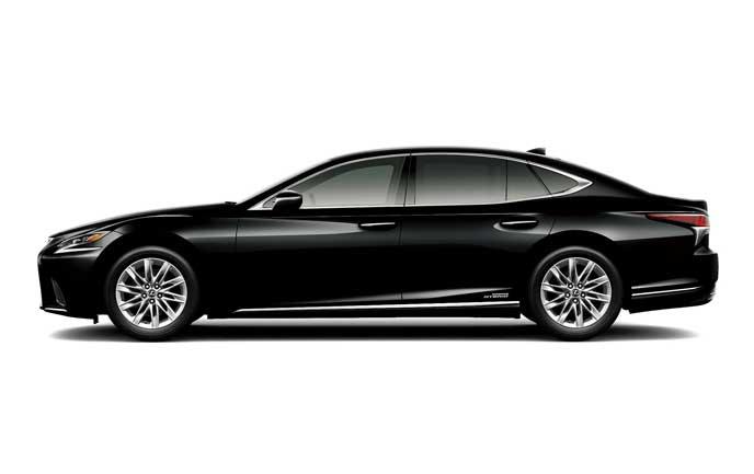 ブラックのレクサス新型LS