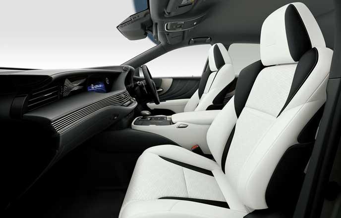 レクサス新型LS F SPORTのシート