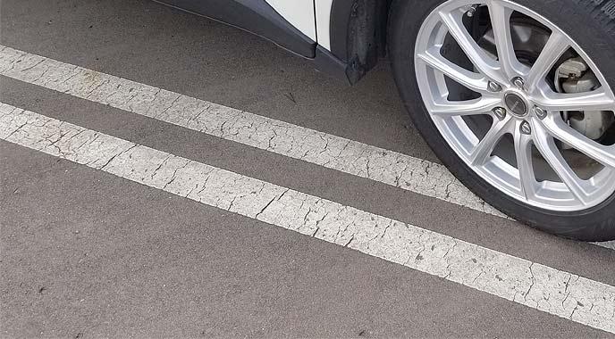 駐車しようとしている車