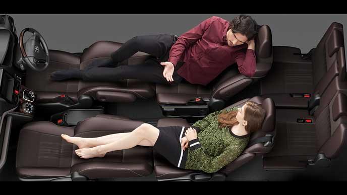 新型エスクァイアのフロントフラットソファモード