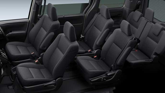 新型ノアのハイグレードブラックシート