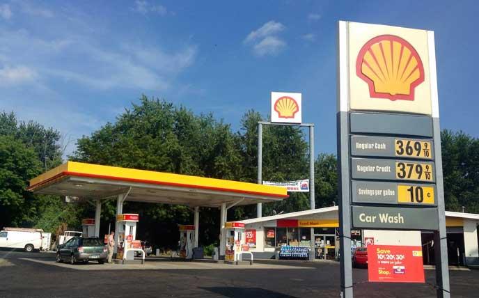 海外のガソリンスタンド