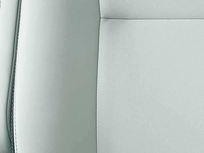 メーカーオプションのホワイトカラー