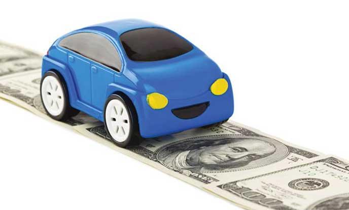 お金がかかる車のイメージ