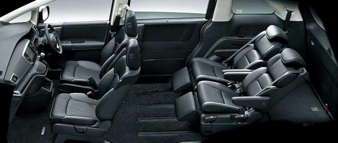 新型オデッセイの4名乗車+ロングスライドモード