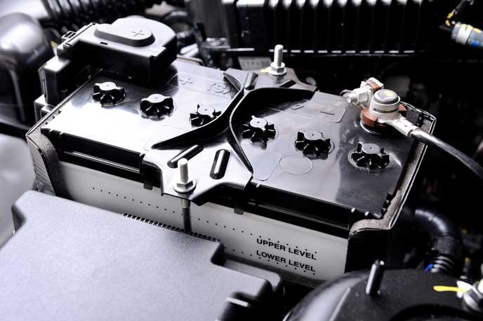 軽自動車に搭載されるバッテリー