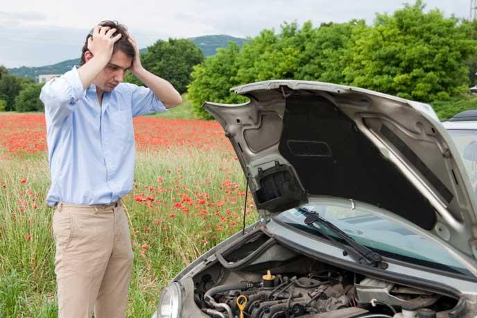 誤給油で車を故障させた男性
