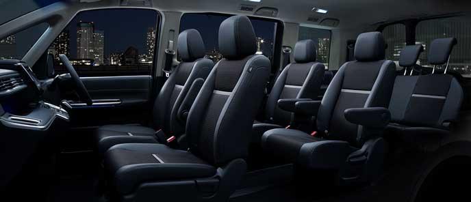 新型ステップワゴンの内装