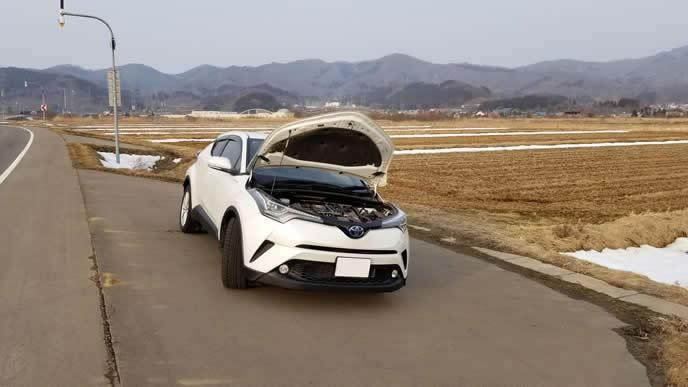 エンジンが冷えずにオーバーヒートした車