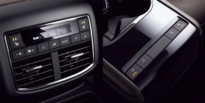 セカンドシート左右席のシートヒーターは25Sを除く全車に標準装備