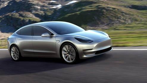 テスラ新型モデル3が納車開始!注目のEV車の実力とは