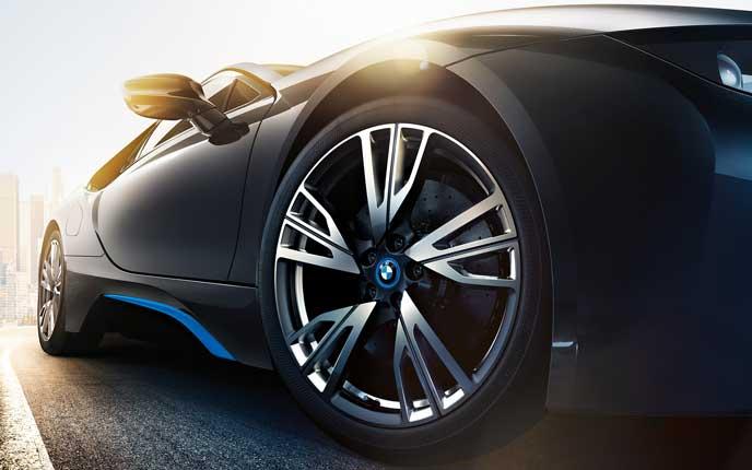 BMW i8のタイヤとホイール