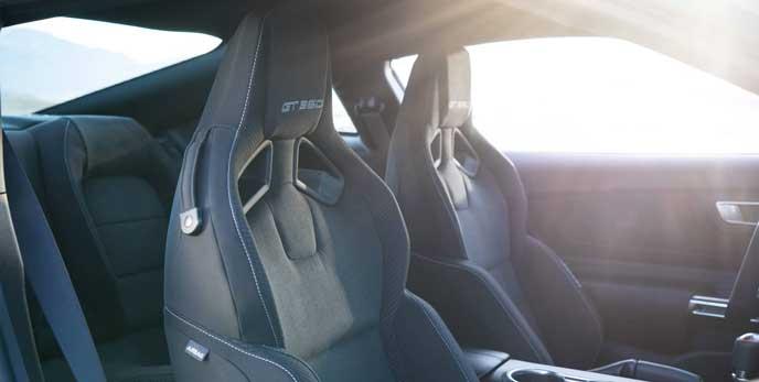 フォード マスタングの内装