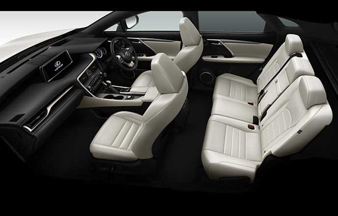 新型レクサスRXのF SPORT専用ホワイトの本革シート