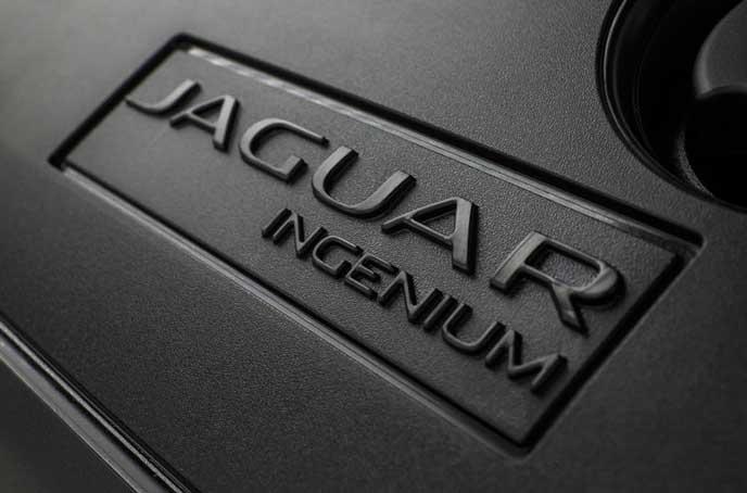 ジャガーE-PACEのエンジン