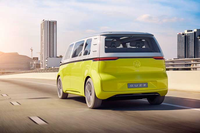 VWの新型EV車ID BUZZのリアビュー