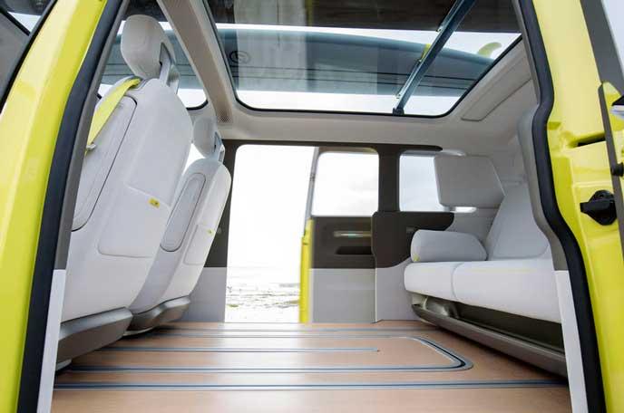 VWの新型EV車ID BUZZの広い室内