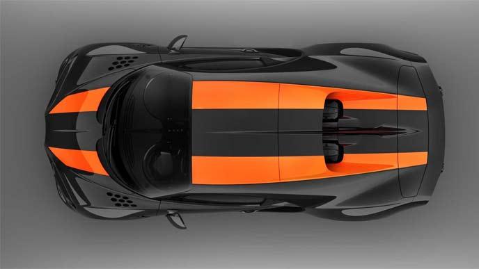 シロン・スーパースポーツ300+の印象的なオレンジストライプ