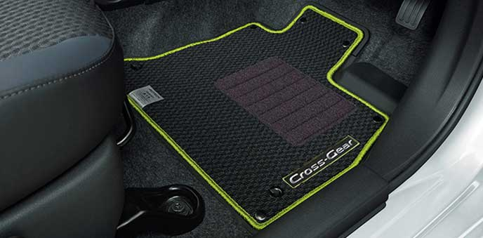 ノート C-Gearのデュアルカーペット