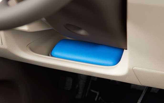 新型N-BOXのドライバーズロアポケット