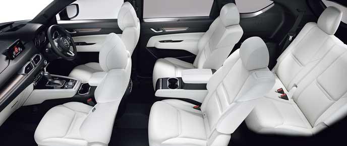 新型CX-8のピュアホワイトのナッパレザーシート