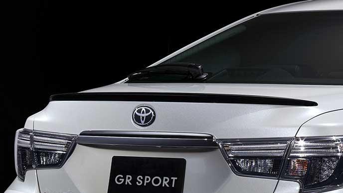 新型マークX GRスポーツのリヤスポイラー
