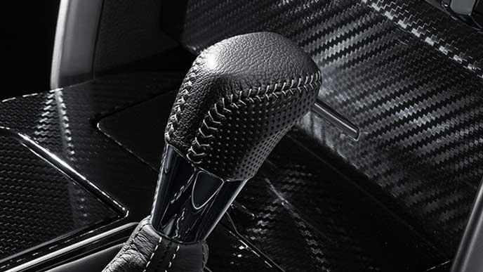 新型マークX GRスポーツのシフトノブ