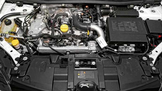 メガーヌRS273ファイナルエディションのエンジン