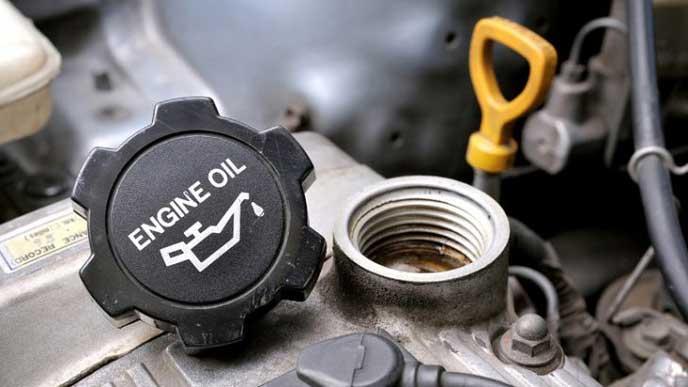 メンテナンスで重要なエンジンオイル