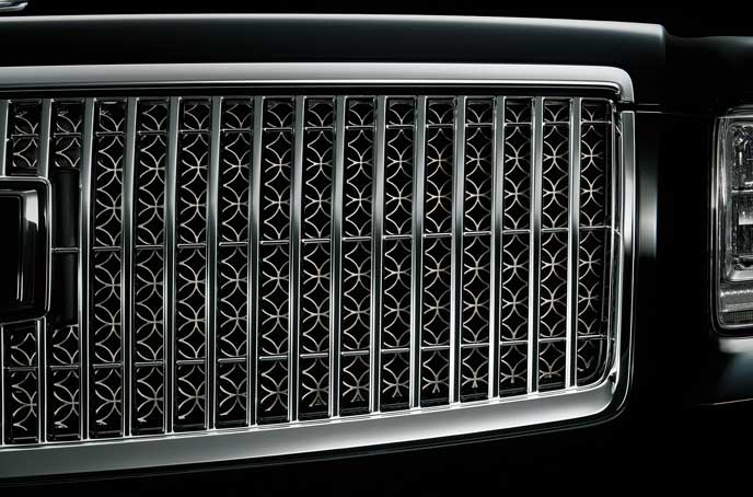 トヨタ新型センチュリーのフロントグリル