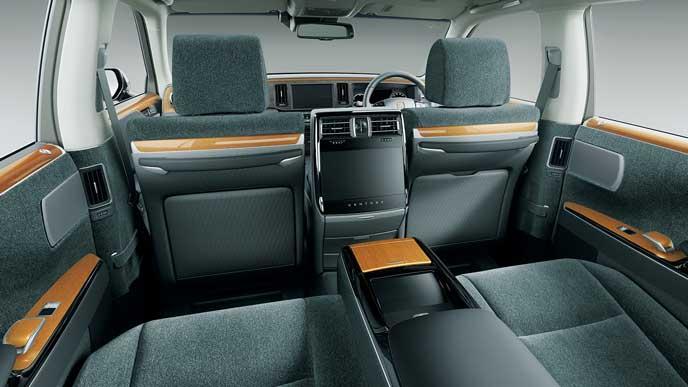 内装色グレーのウールファブリックを使ったトヨタ新型センチュリー