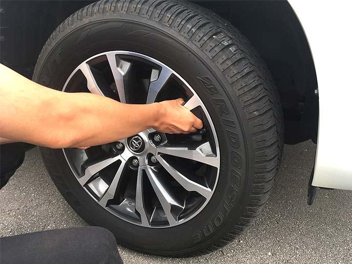 タイヤの新品交換