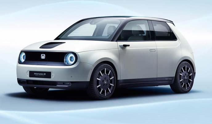 新型電気自動車「Honda e(ホンダ イー)」のプロトタイプ
