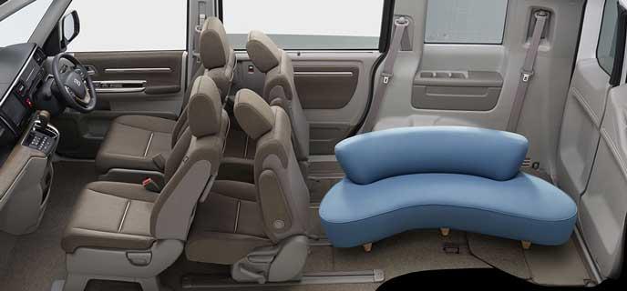 ソファも乗る新型ステップワゴン