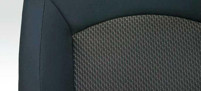 新型RVRのMグレードのシート