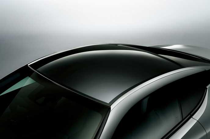 新型LCのガラスパノラマルーフ