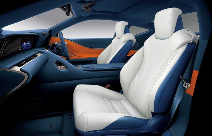 新型LCのブリージーブルーのシート