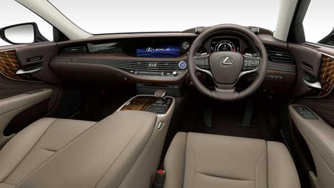 レクサス新型LSの内装色 本革 シャトーのフロントシート