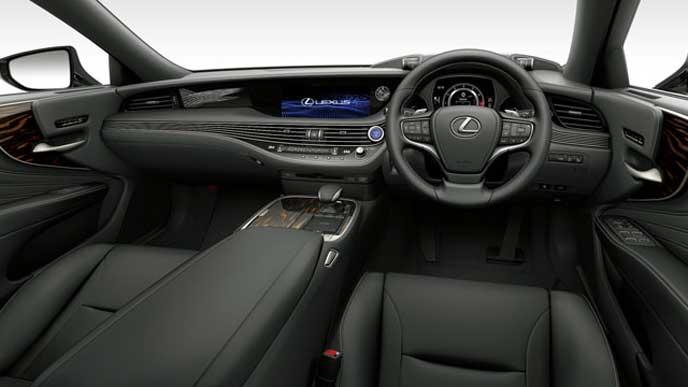 レクサス新型LSの内装色 本革とセミアニリン本革 ブラックのフロントシート